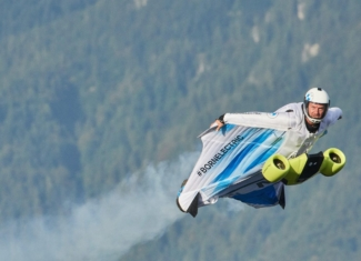 ¿Te gustaría volar con un traje de alas eléctrico?