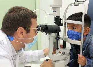 Un niño salva la visión con un virus modificado genéticamente