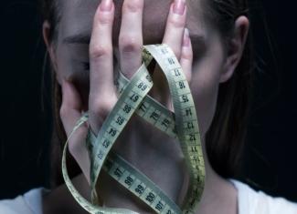 ¿Por qué las mujeres con anorexia nerviosa no se ven delgadas?