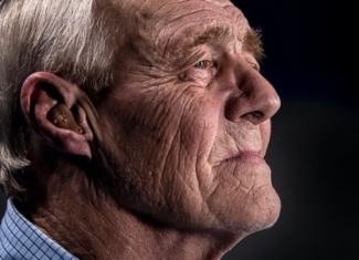 ¿Qué relación existe entre pérdida auditiva, aislamiento social y deterioro cognitivo?