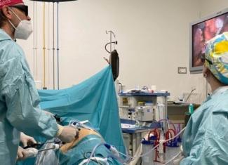 Un español y un italiano reciben un trasplante renal cruzado de donante vivo